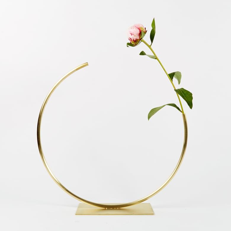 Image of Vase 1023 - Edging Over Vase