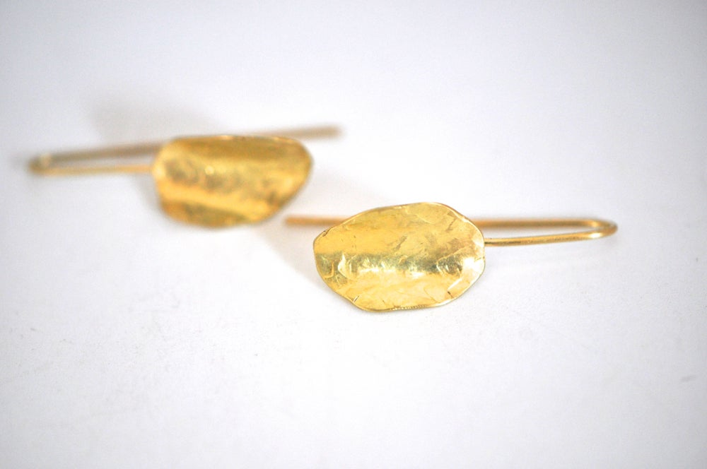 Image of Alya solid gold earrings