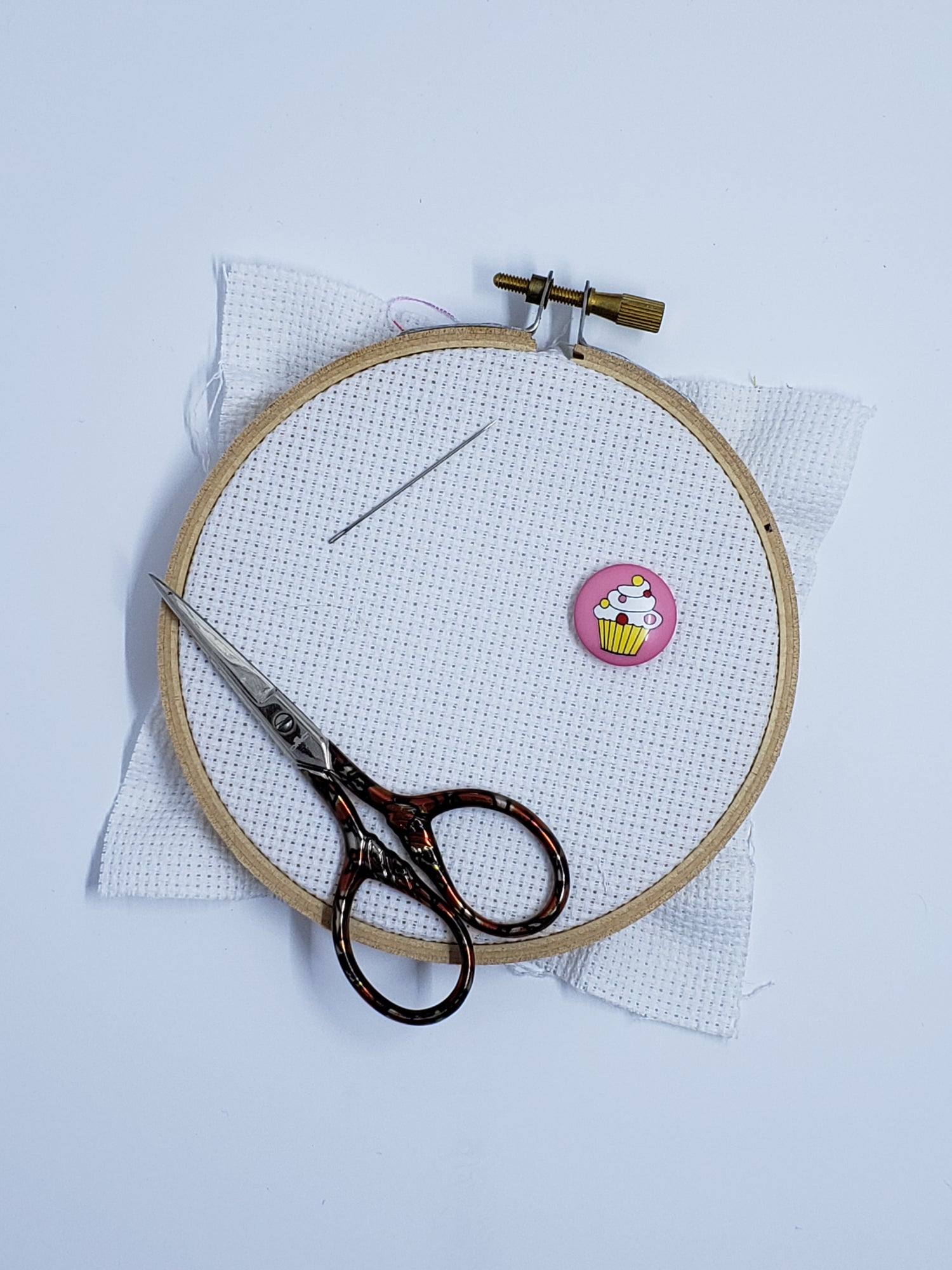 Image of Needle Minder - Cupcake Button