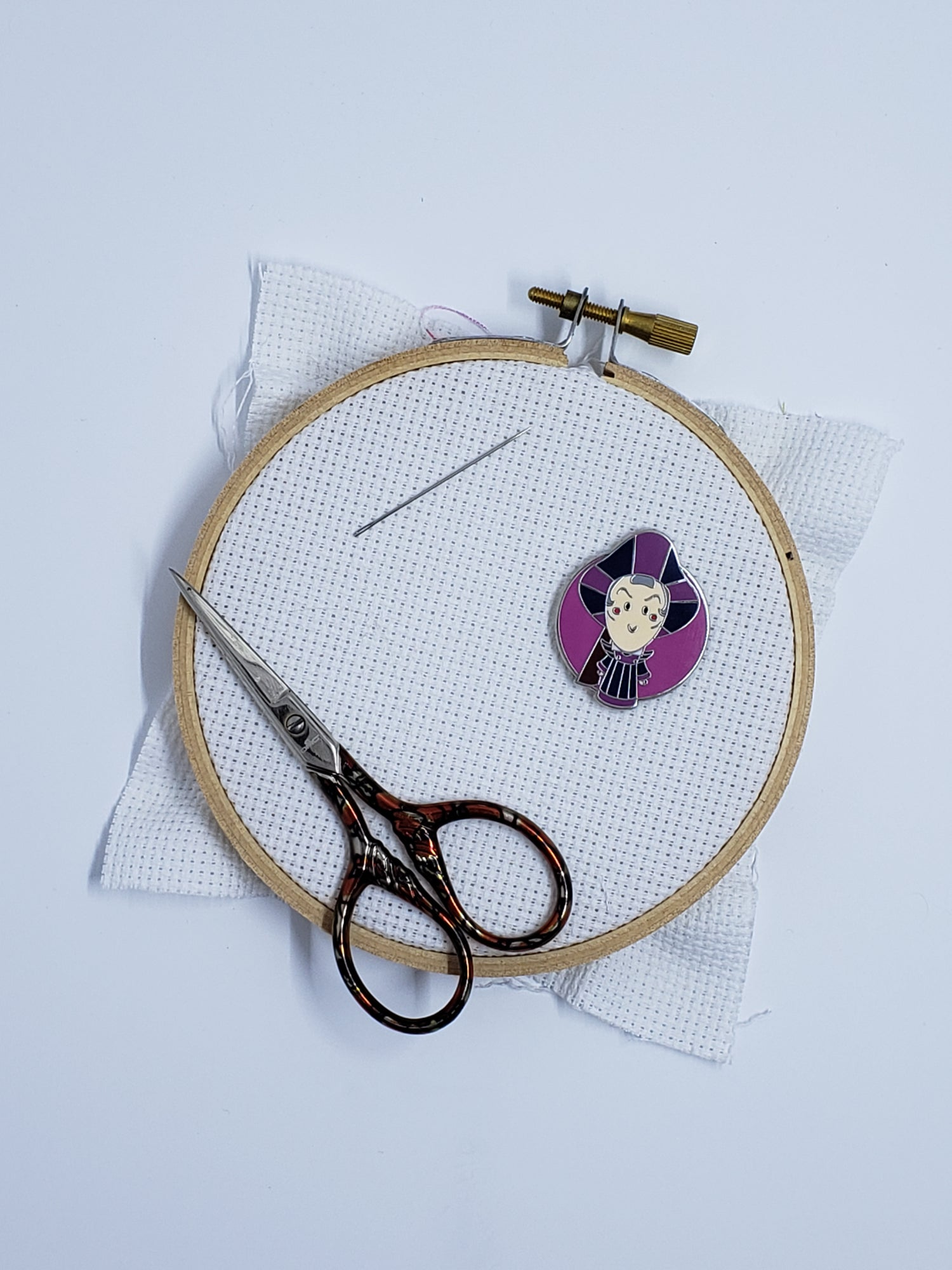 Image of Disney Needle Minder - Cute Villain Frollo
