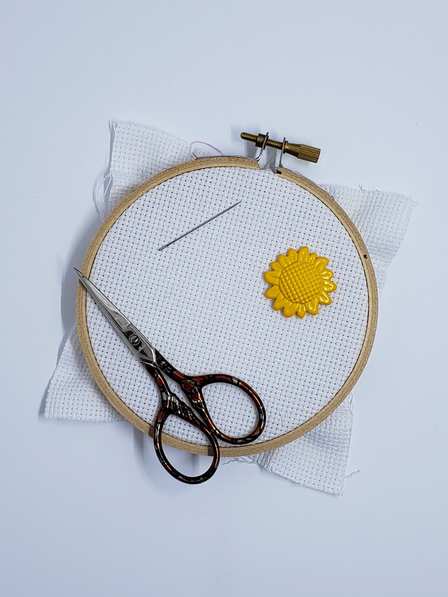 Image of Needle Minder - Sunflower