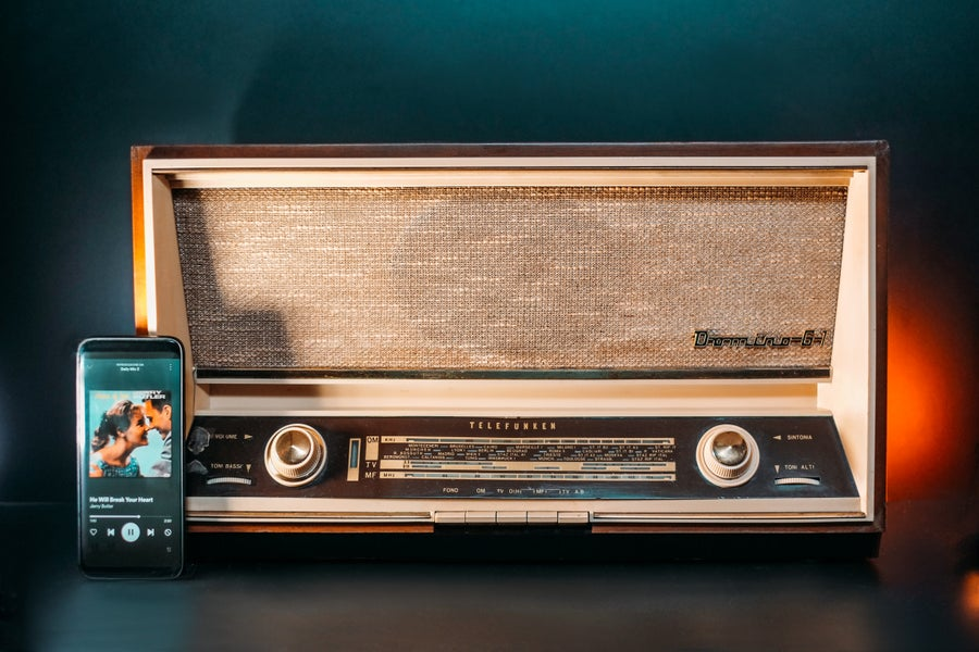 Image of TELEFUNKEN DOMINO 61 (1960) RADIO D'EPOCA BLUETOOTH