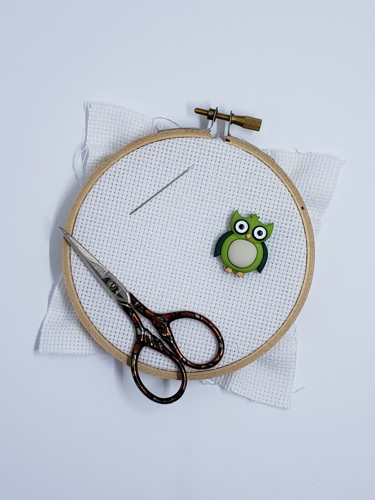 Image of Needle Minder - Green Owl