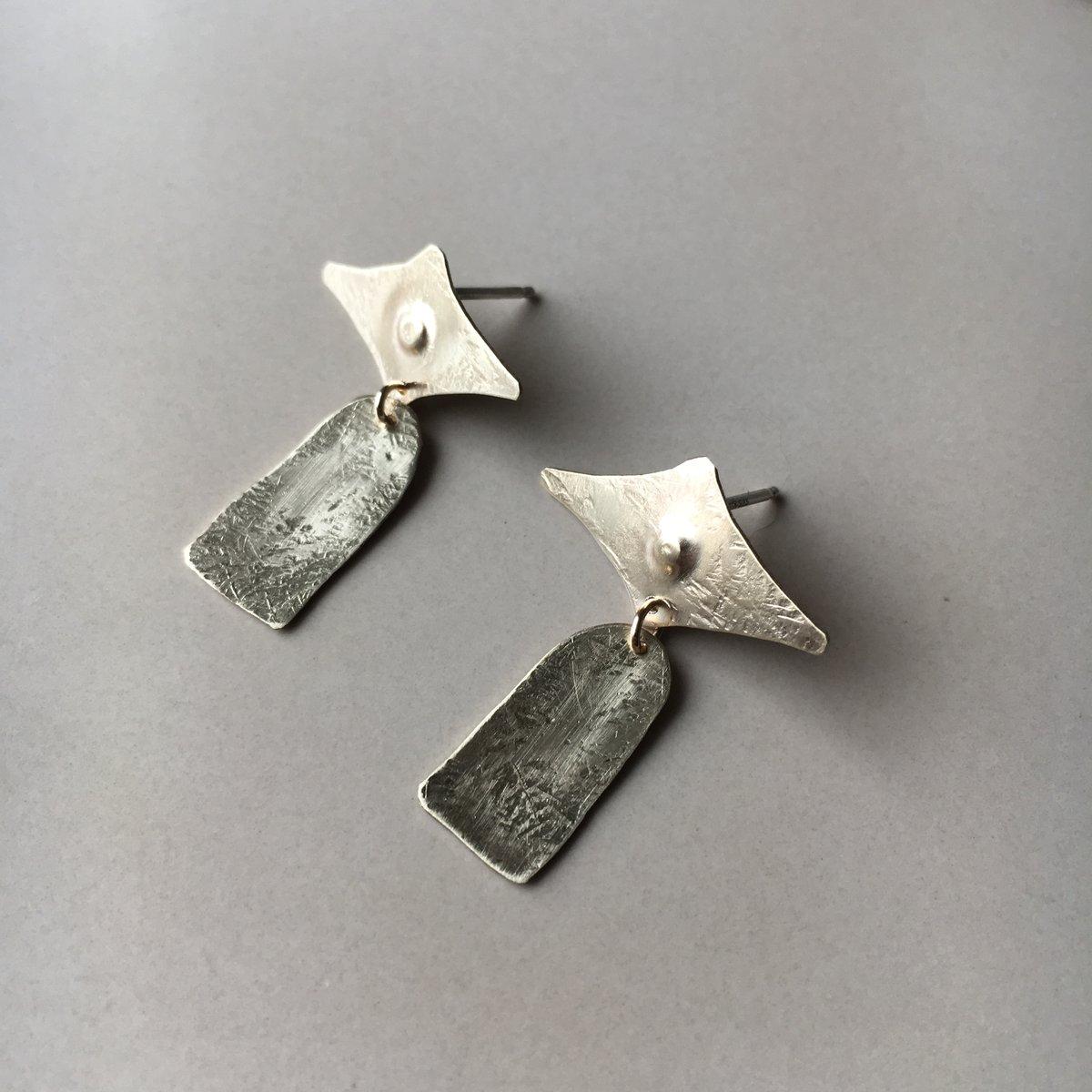 Image of lane earring
