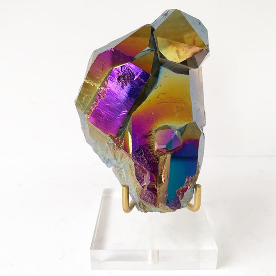 Image of Titanium Coated Quartz no.12 Scarab Collection Lucite Pairing