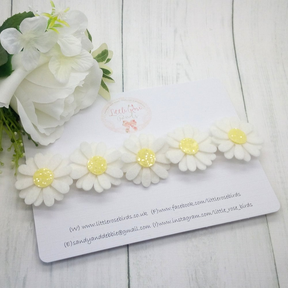 Image of Daisy Chain Headband