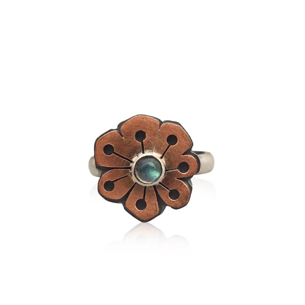 Image of SALE!! labradorite flower ring