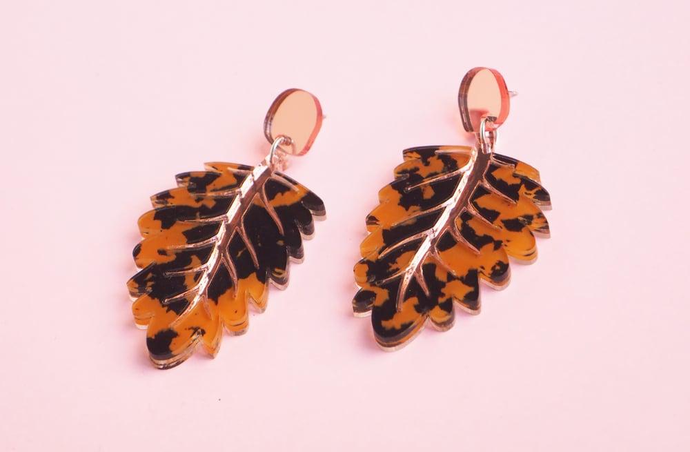 Image of Leaf Earrings - Tortoiseshell