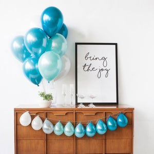 Image of Surfs up - Mini Balloon Garland
