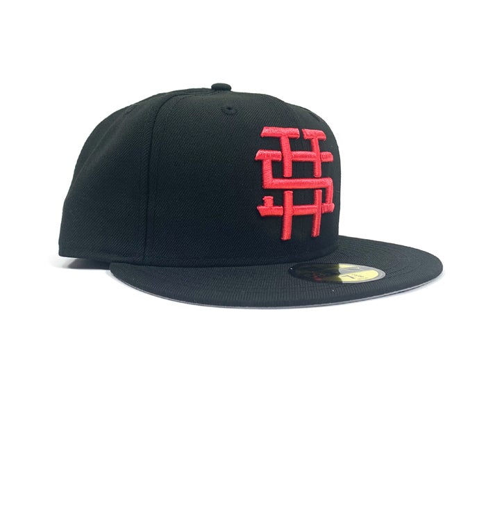 "Image of 2520 X NEW ERA MONOGRAM LOGO ""T5T"" 59FIFTY FITTED- BLACK/LAVA RED"
