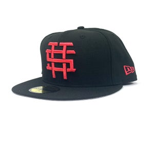 "Image of 2520 MONOGRAM LOGO ""T5T"" FITTED - BLACK/LAVA RED"
