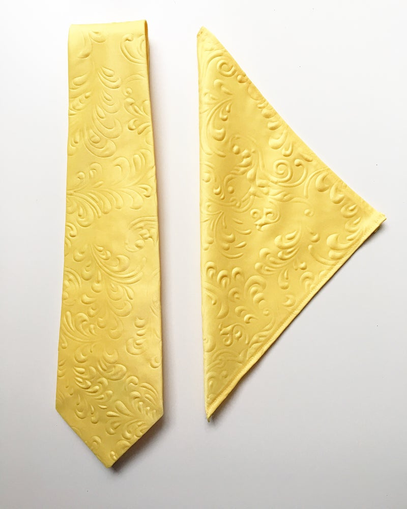 Image of Men's Necktie and Pocket Square Set