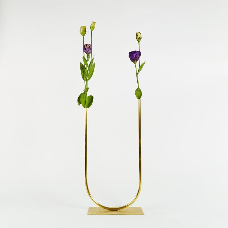 Image of Vase 00368 - Uneven U Vase
