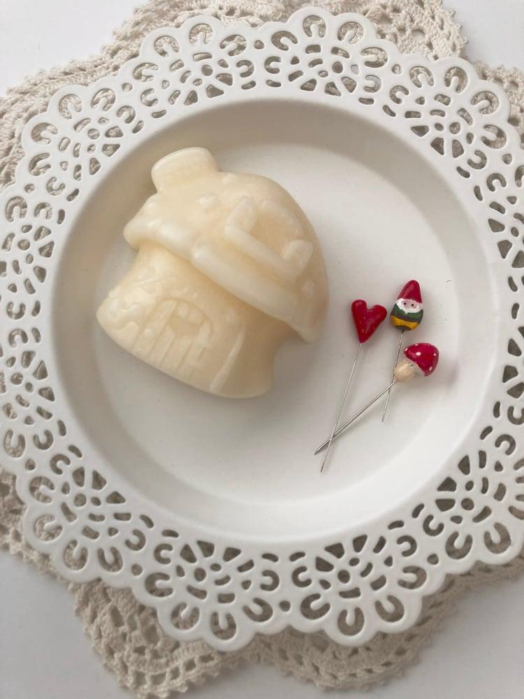 Image of Mushroom House Thread Gloss