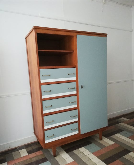 "Image of Armoire  ""compact"" en chêne"