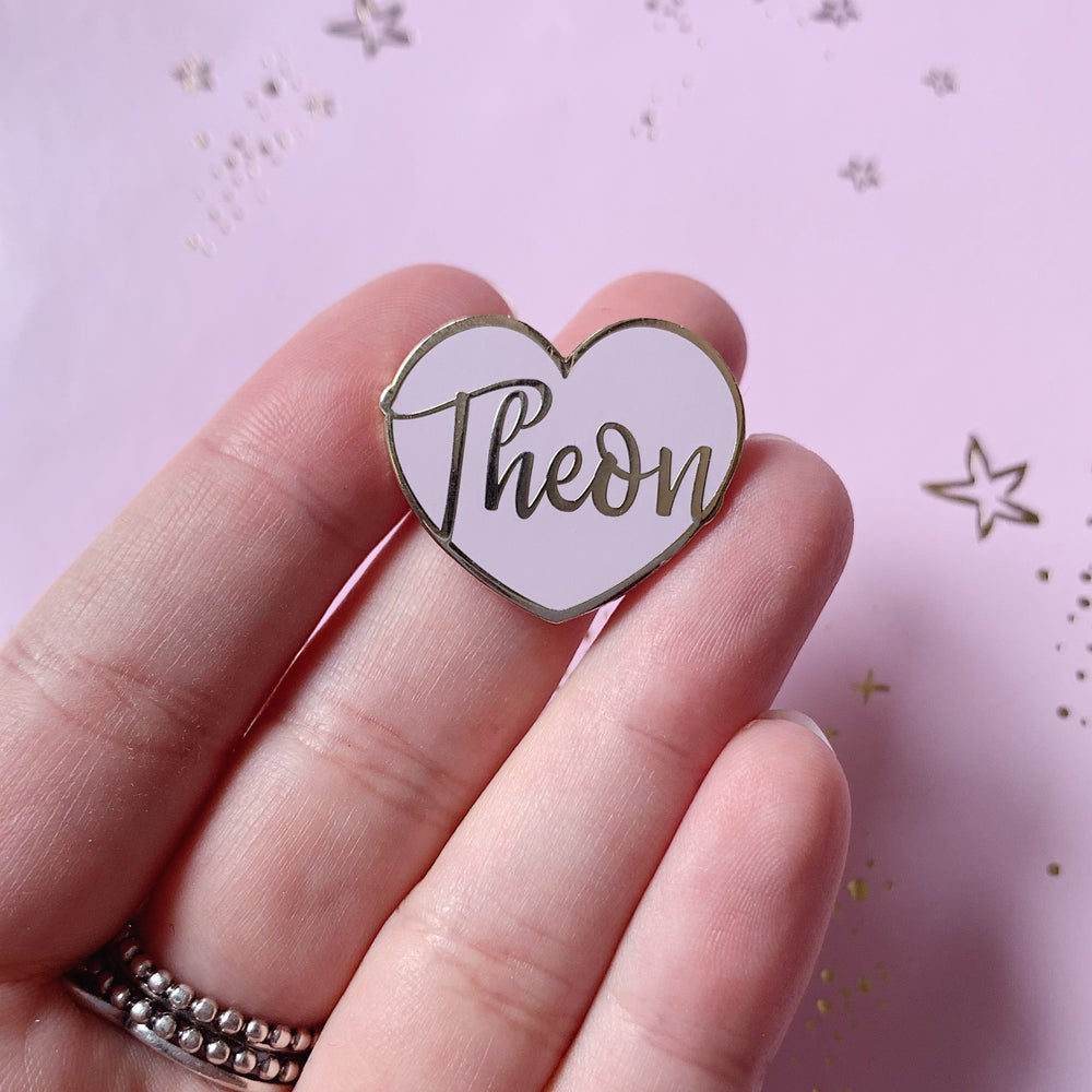 Image of Theon Heart