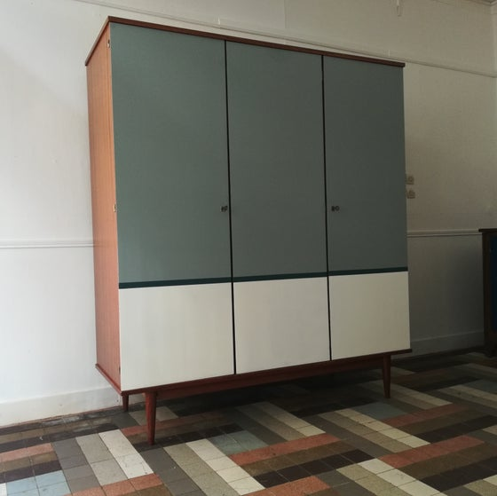 Image of Armoire 60'3 portes