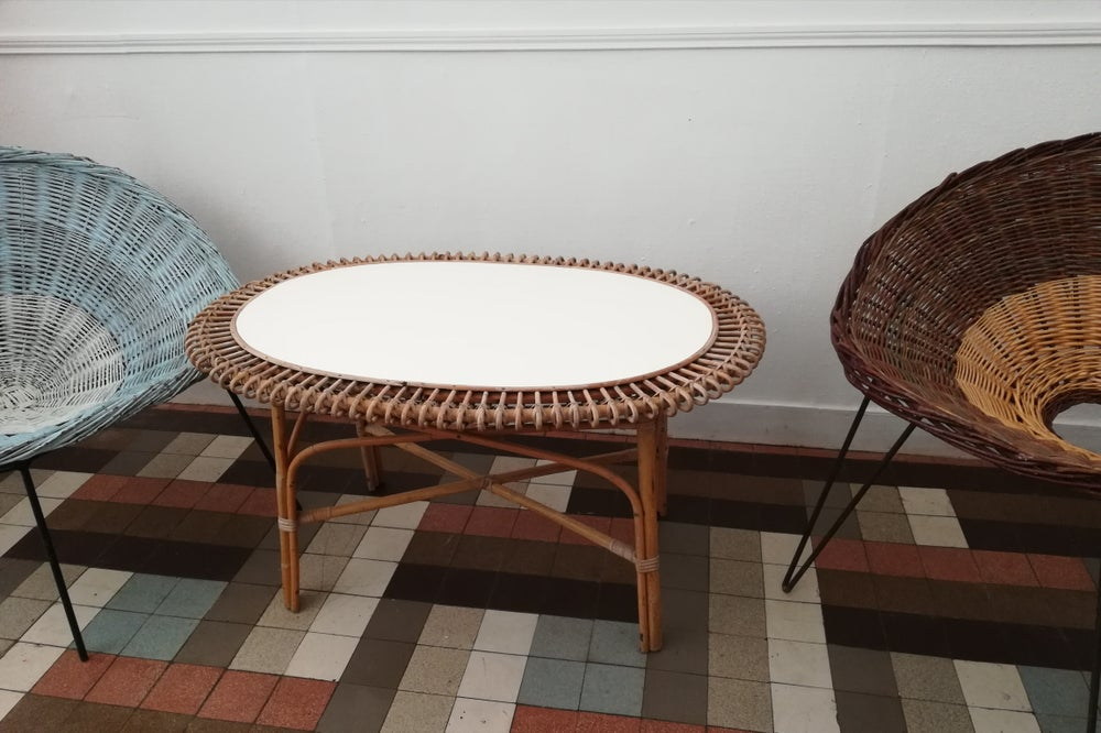 Image of Table de salon rotin vintage