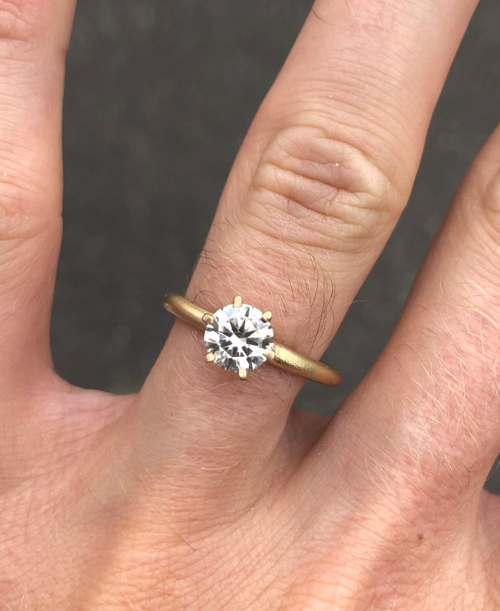 Image of 6 Claw ring