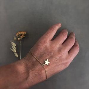 Image of 9ct gold star bracelet