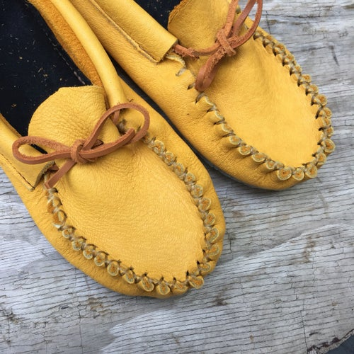 Image of Pucker Toe Moccasins (Gold)
