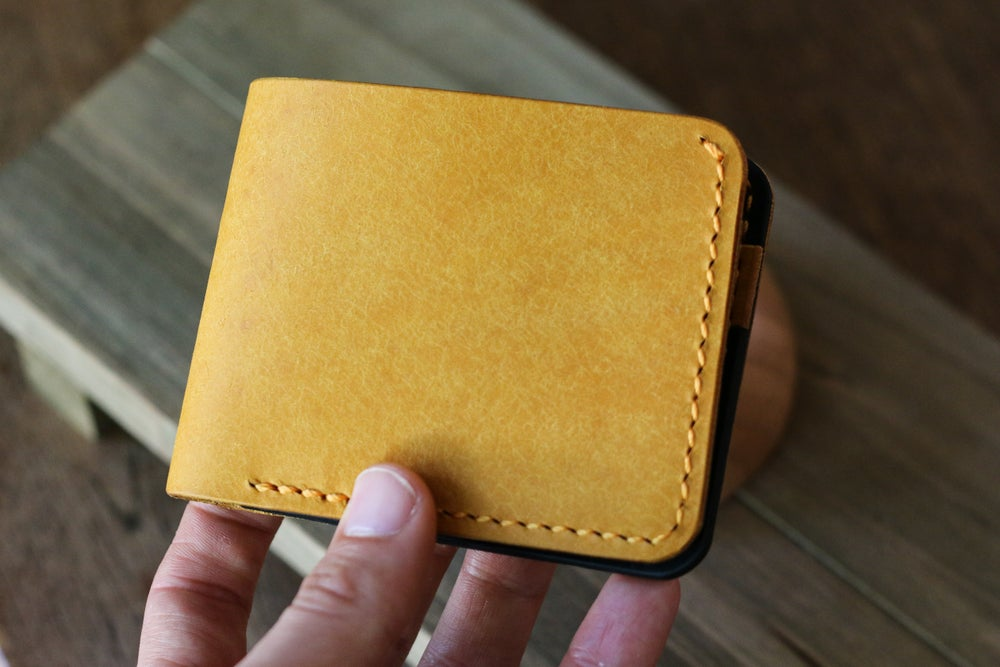 Image of Traditional Bifold in Yellow Pueblo and Black Dublin