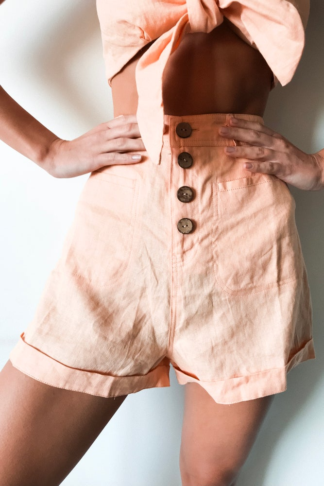 Image of SALVADOR SHORTS - PEACH