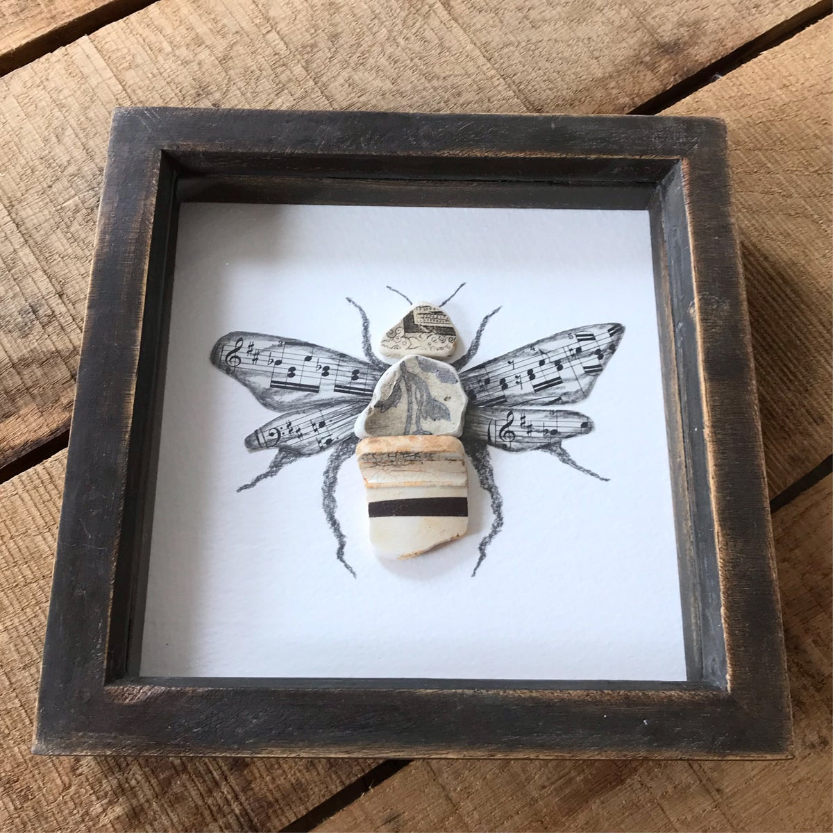 Image of LANCASHIRE BEE BY THE MUDLARK - LIMITED EDITION - SIZE LARGE