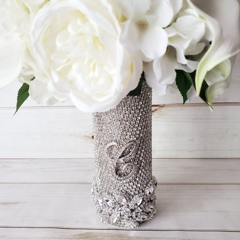 "Image of ""Melissa"" 7inch Bouquet Holder (Available in other colors)"