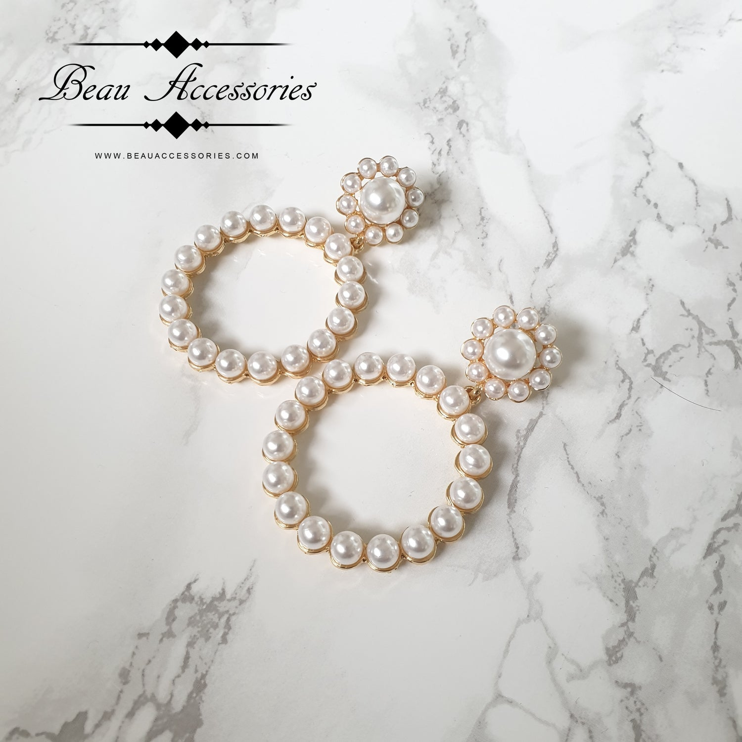 Image of Round Pearl Earrings
