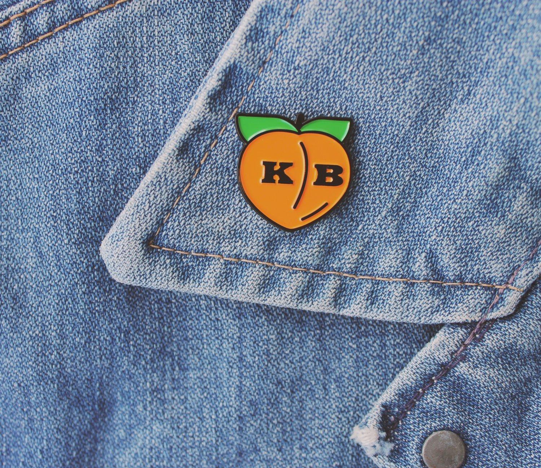 Image of Peach Emoji Pin
