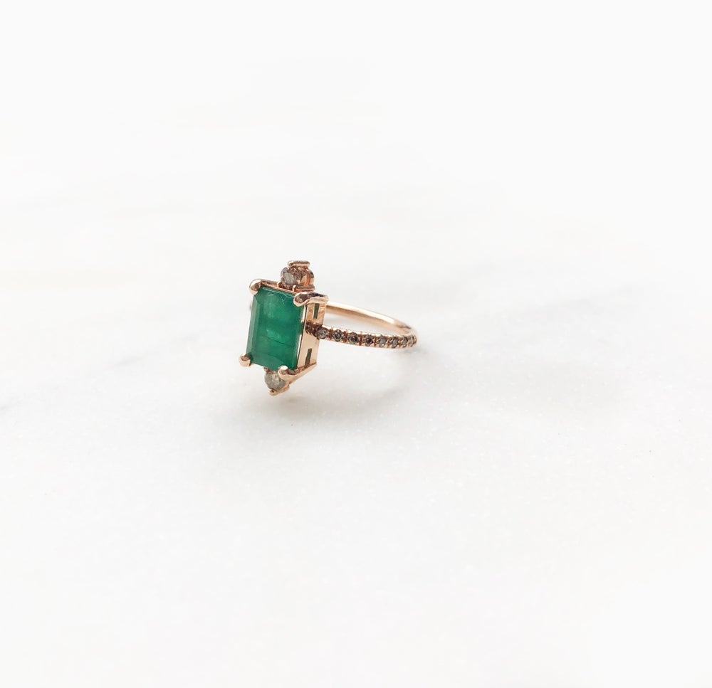 Image of Sparking Emerald Ring