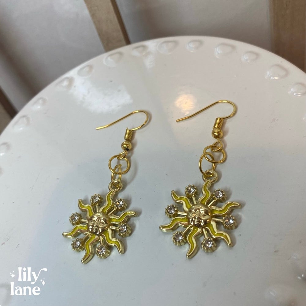 Image of Sunny Days Earrings