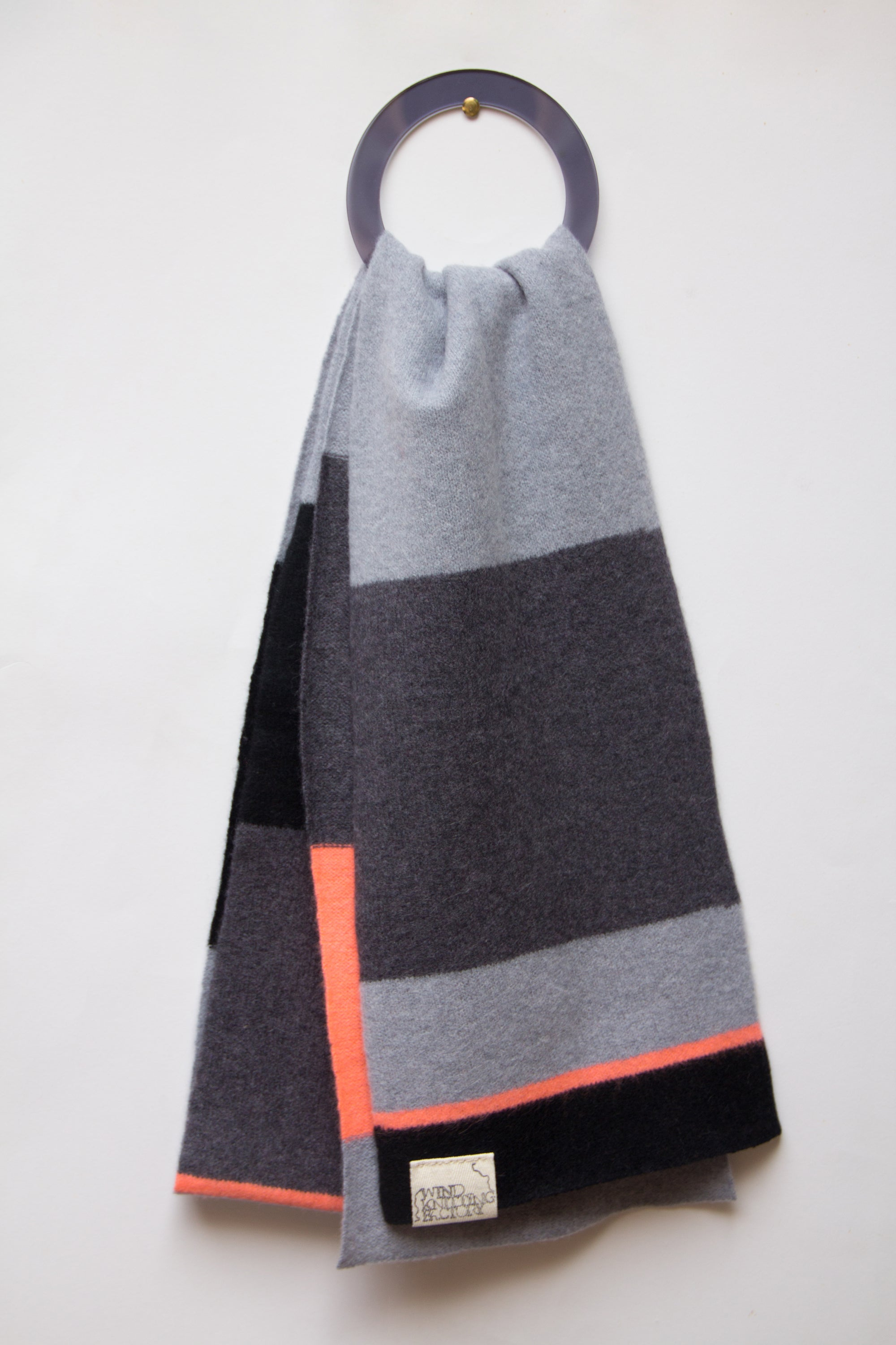 Image of Wind Knitted Scarf grey/neon pink
