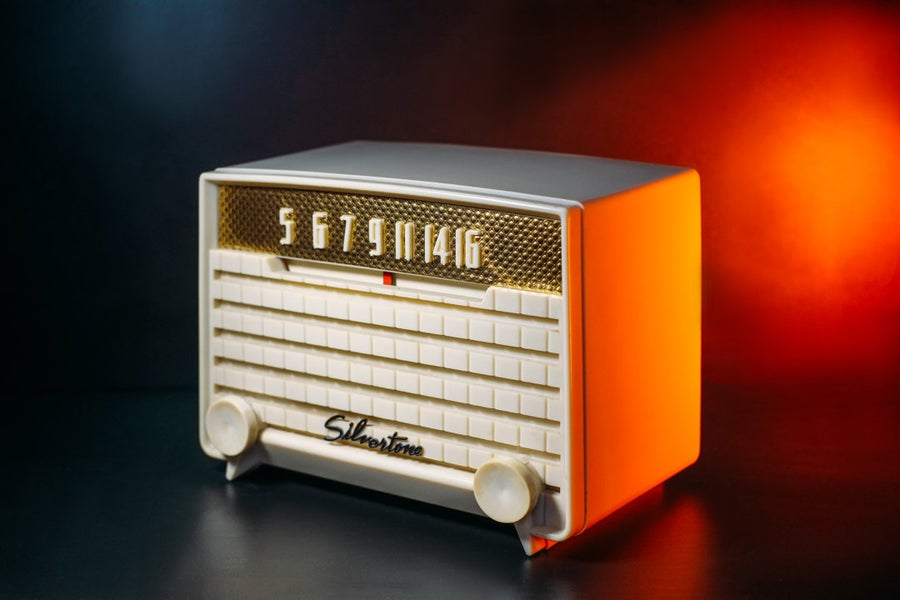 Image of SILVERTONE 2004 (1953) RADIO VINTAGE BLUETOOTH