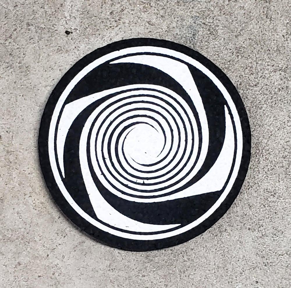 Image of B&W Gong Spiral / Moodmat