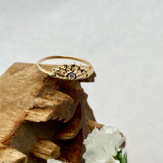 Image of 14k Gold Sunrise Ring with Diamond