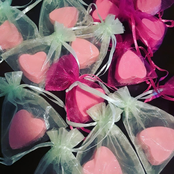 Image of 10 Heart Party Favor Soaps