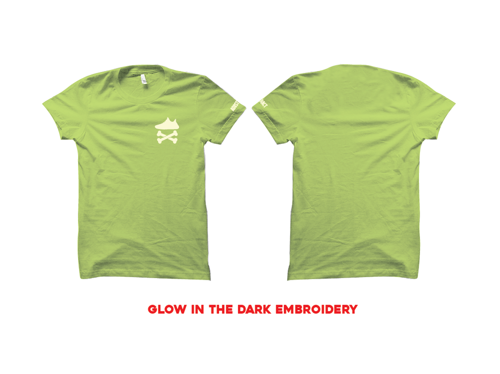 "Image of YEEZY CROSSBONES EMBROIDERY ""GLOW"" T-SHIRT"