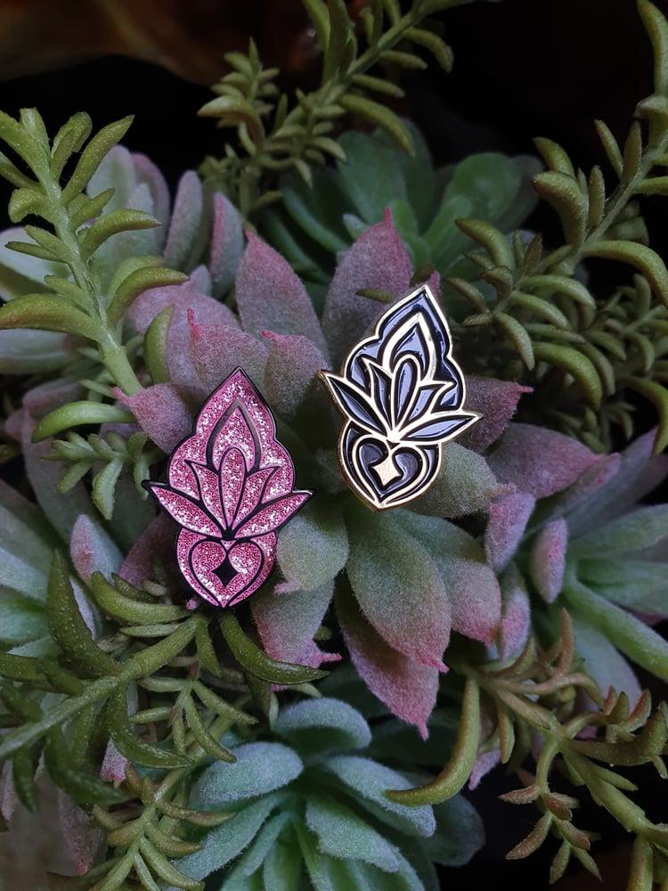 Image of Ornamental enamel lapel pin