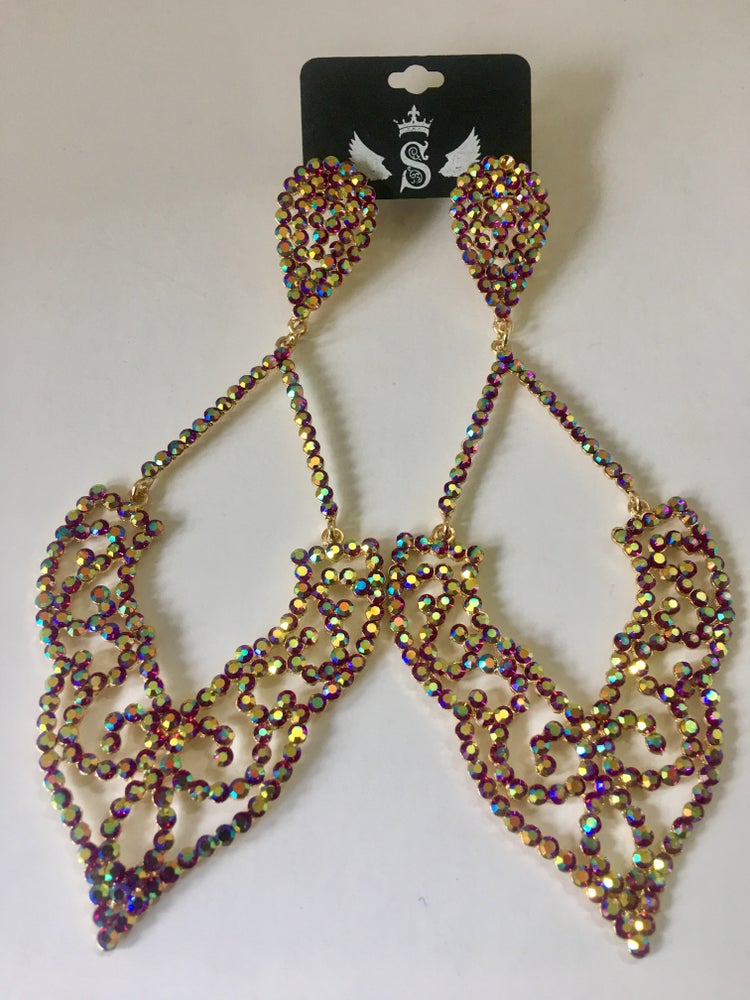 Image of glam queen chandelier earring