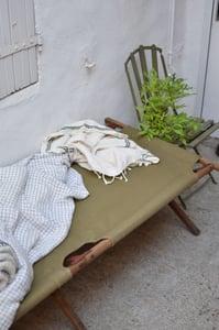 Image of LIT DE CAMP - LIT PICOT toile beige disponible