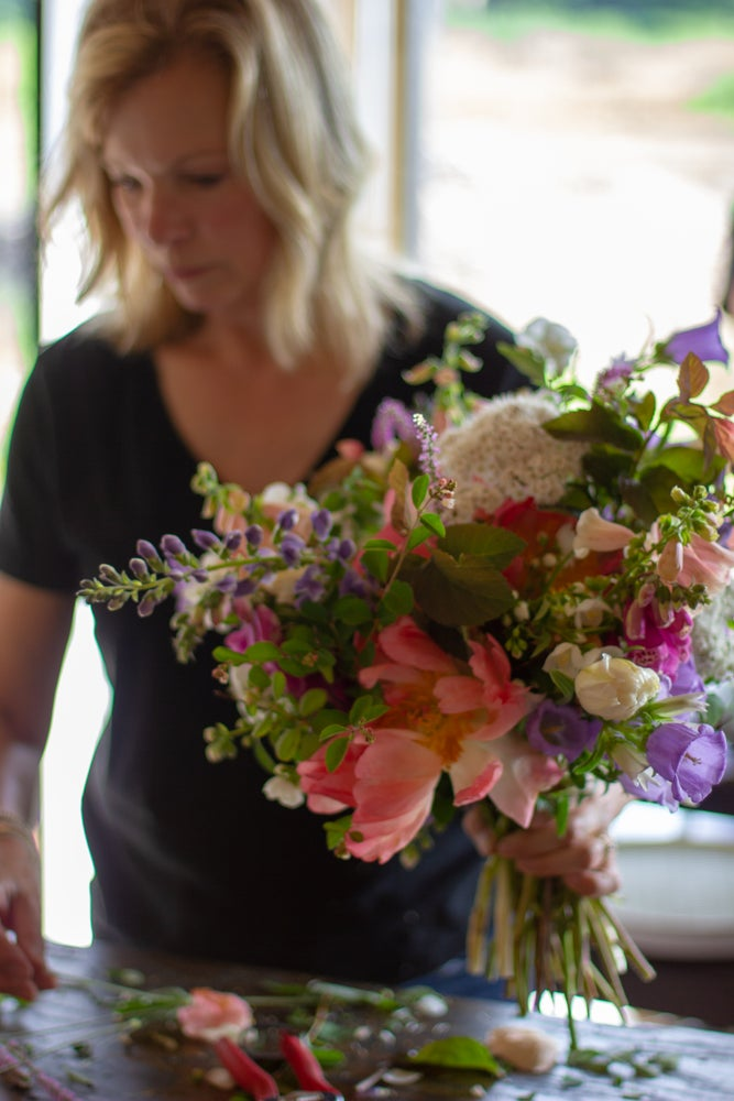 Image of FLORAL FUNDAMENTALS WORKSHOP :: THE ART OF HAND-TIED BOUQUETS