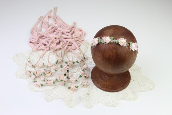 Image of Pink Vintage Blooms on Twine with Jersey Tieback Ends