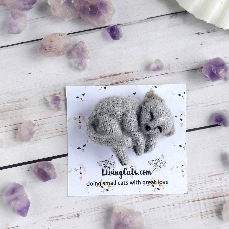 Image of Gray cat soft brooch