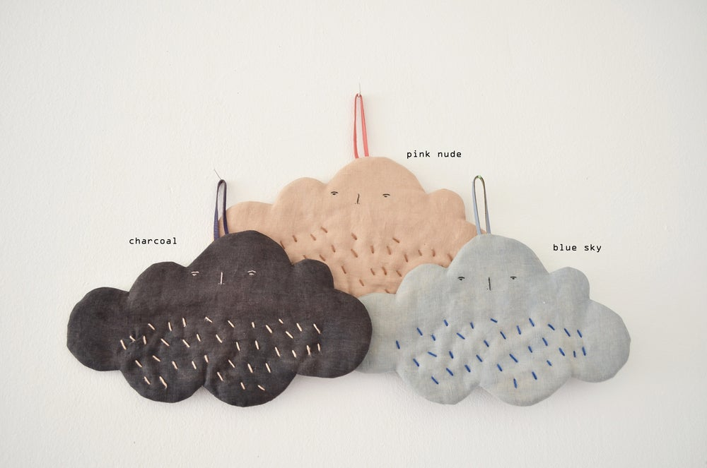 Image of cloud hotpad (funny face & vegetable dye series)