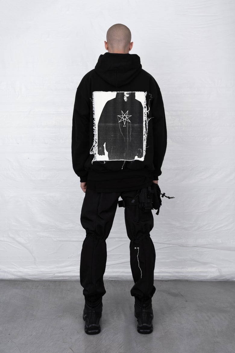 Image of WANDER HOODED SWEATSHIRT