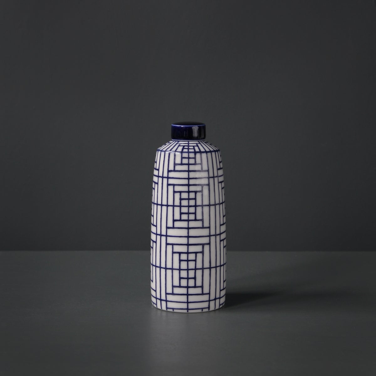Image of Medium 'Chinese' Straight Ginger Jar by Rhian Malin.