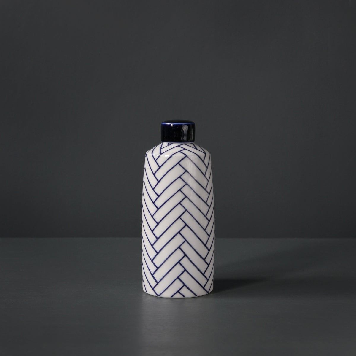 Image of Medium 'Herringbone' Straight Ginger Jar by Rhian Malin.