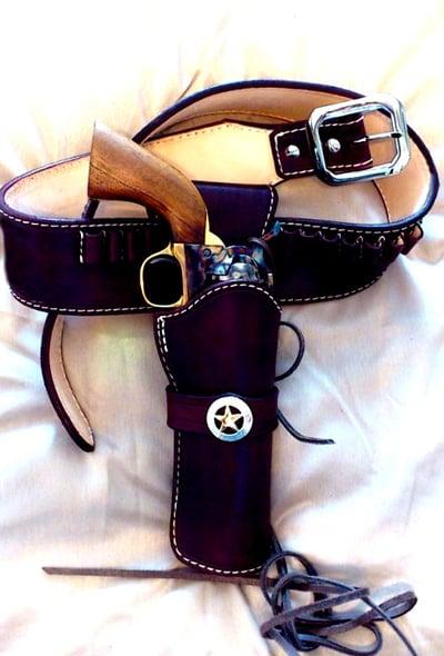 Image of SKINCARVER'S CFDA COWBOY FAST DRAW GUNBELT GUNFIGHTER RIG